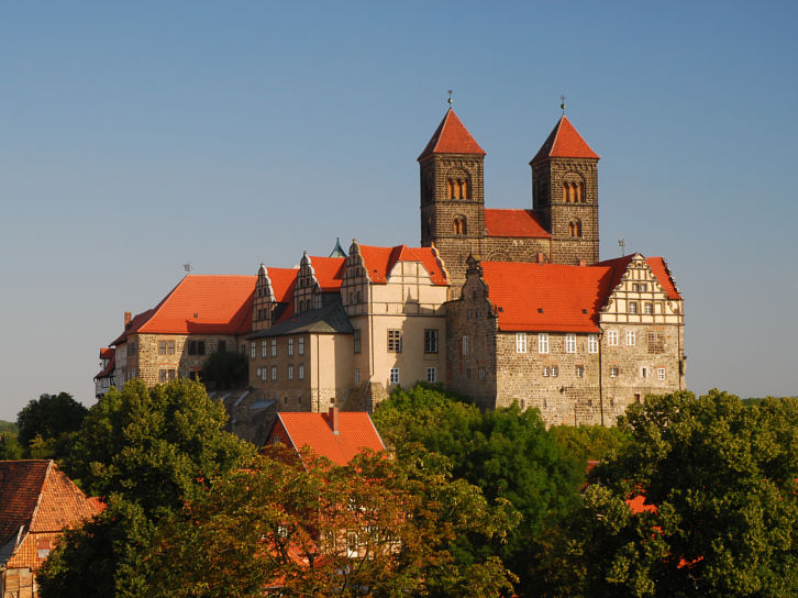 Quedlinburg-schloss-total
